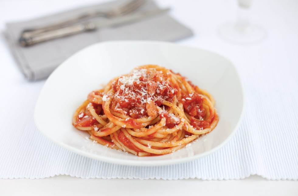 bucatini all'amatriciana con guanciale
